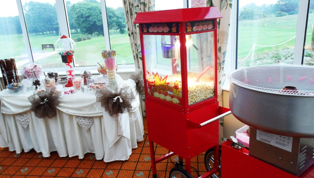 Popcorn and candlyfloss machine for rent