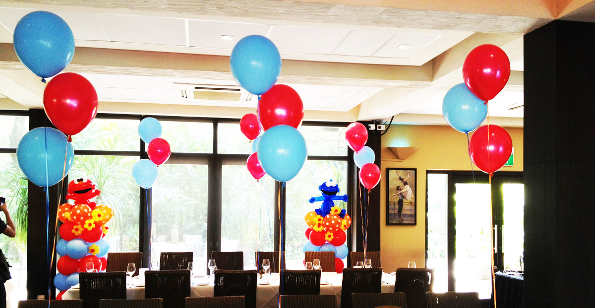 helium balloon table centrepiece
