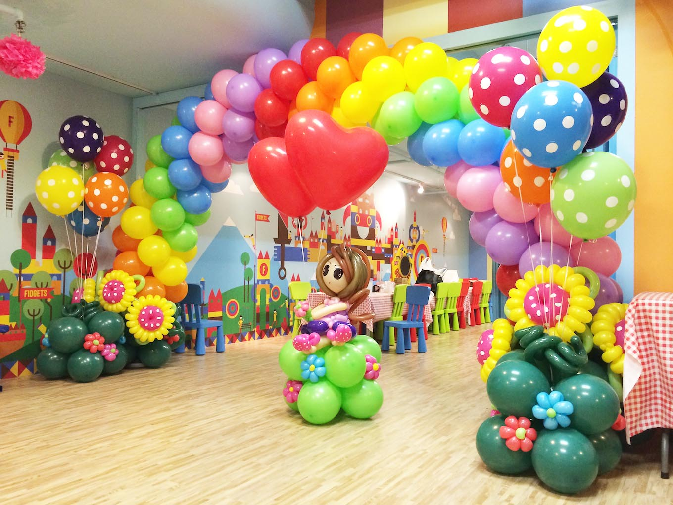 Rainbow balloon arch Advance