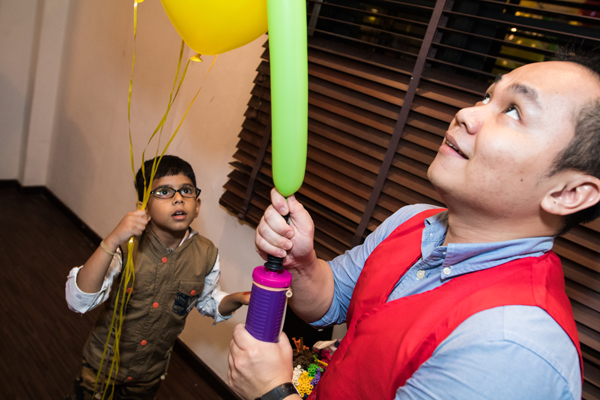 balloon sculpting for kids birthday party