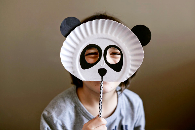 Paper plate mask craft