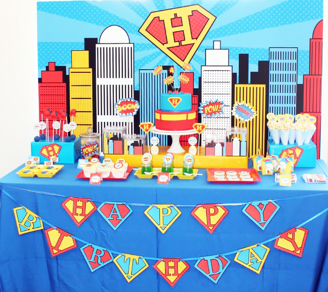 superman-party-dessert-table-640x659