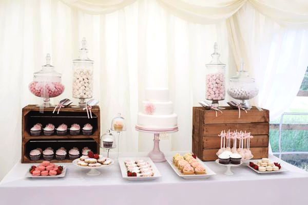 wedding-cake-dessert-table-ideas-694-int