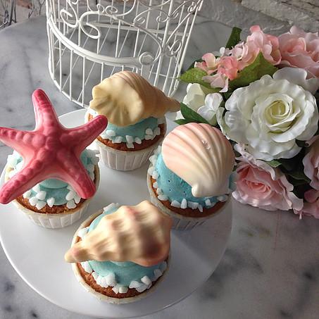 Coral Theme pretty cupcakes