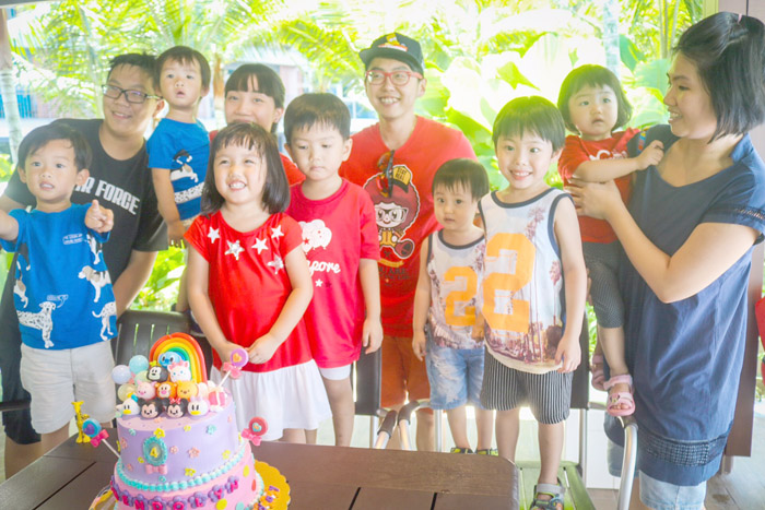 kids birthday party photograph